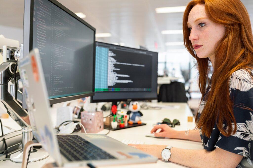افضل 10 لغات برمجة في 2021